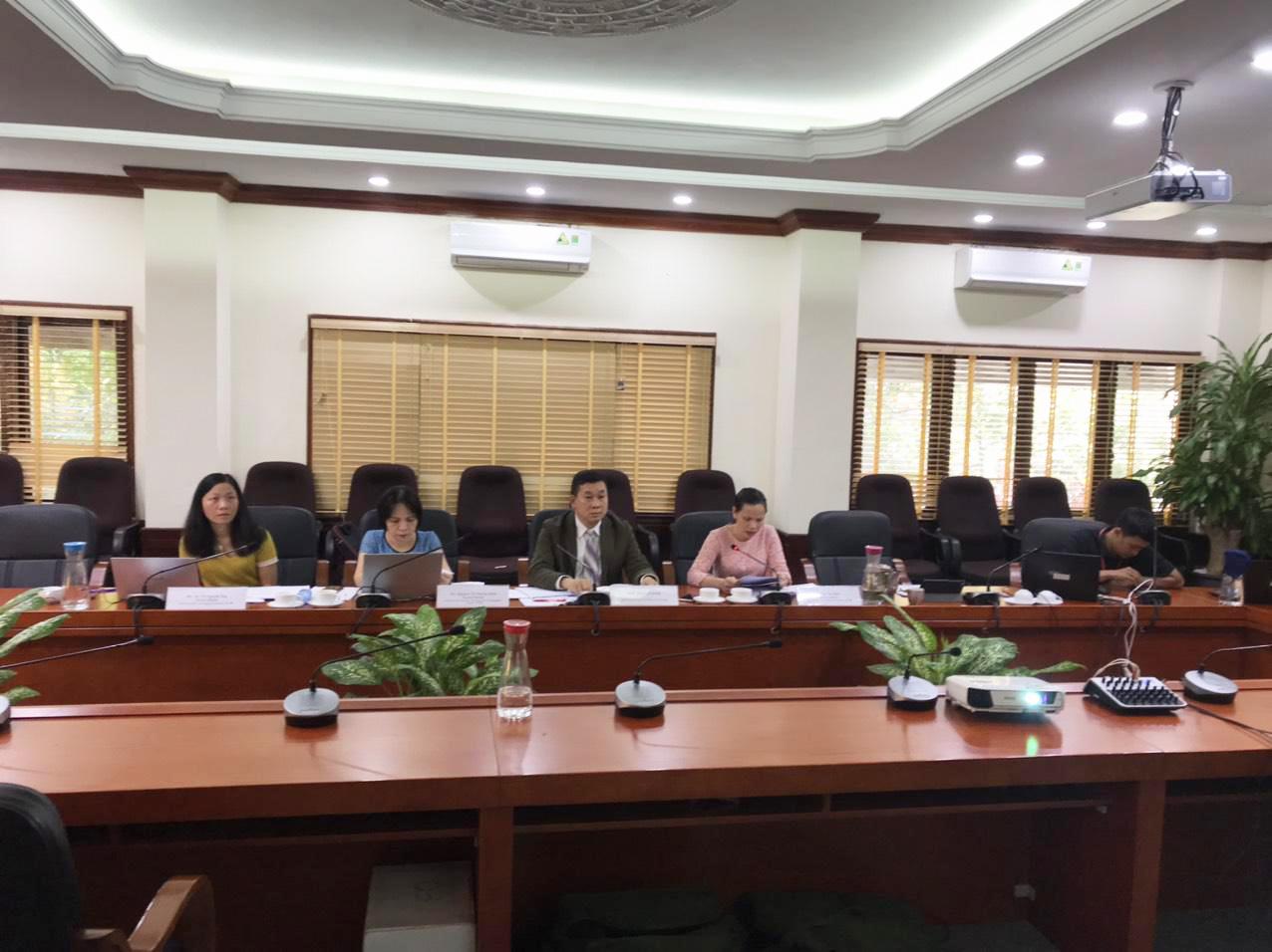 Phó Cục trưởng Trần Lê Hồng cùng các cán bộ Cục Sở hữu trí tuệ tham dự Diễn đàn trực tuyến giữa Cục với doanh nghiệp châu Âu.