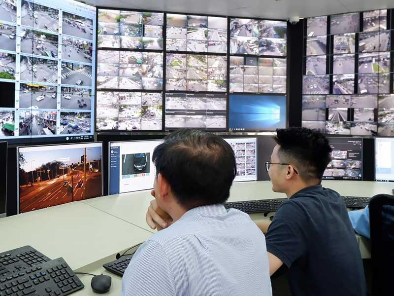 Trung tâm Điều hành giao thông thông minh của TPHCM sẽ điều khiển đèn tín hiệu, cung cấp thông tin giao thông và hỗ trợ xử lý vi phạm - Ảnh: Báo Pháp Luật TPHCM/2019