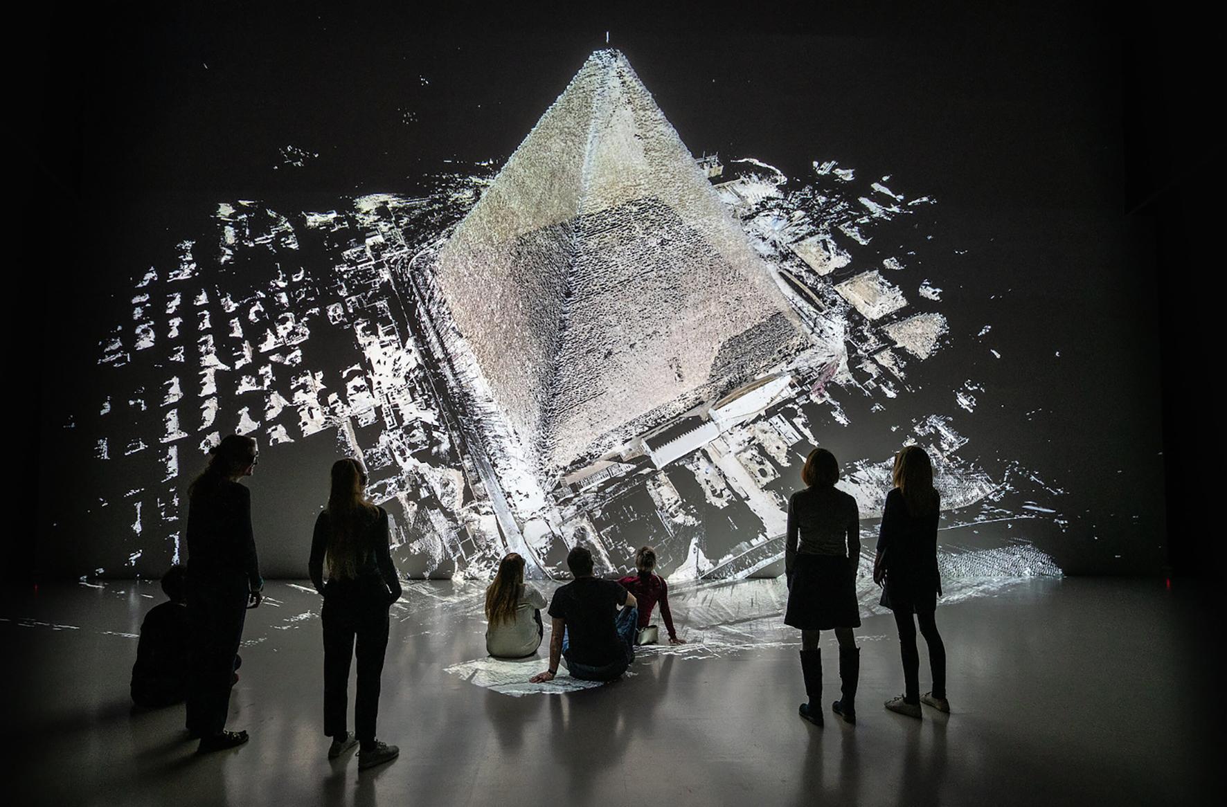 Dự án Deep Space của Ars Electronica cho phép khán giả thưởng thức hình ảnh ở độ phân giải 8K. Người dùng có thể di chuyển, tương tác trong không gian ba chiều và tự do kiểm soát tầm nhìn của họ. Ảnh: Ars Electronica.