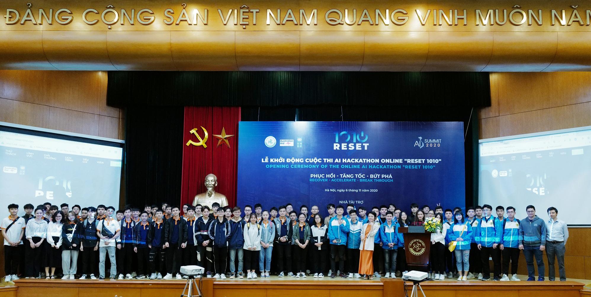 Sinh viên các trường ĐH ở Hà Nội tham gia lễ phát động AI Hackathon RESET 1010 | Ảnh: BTC