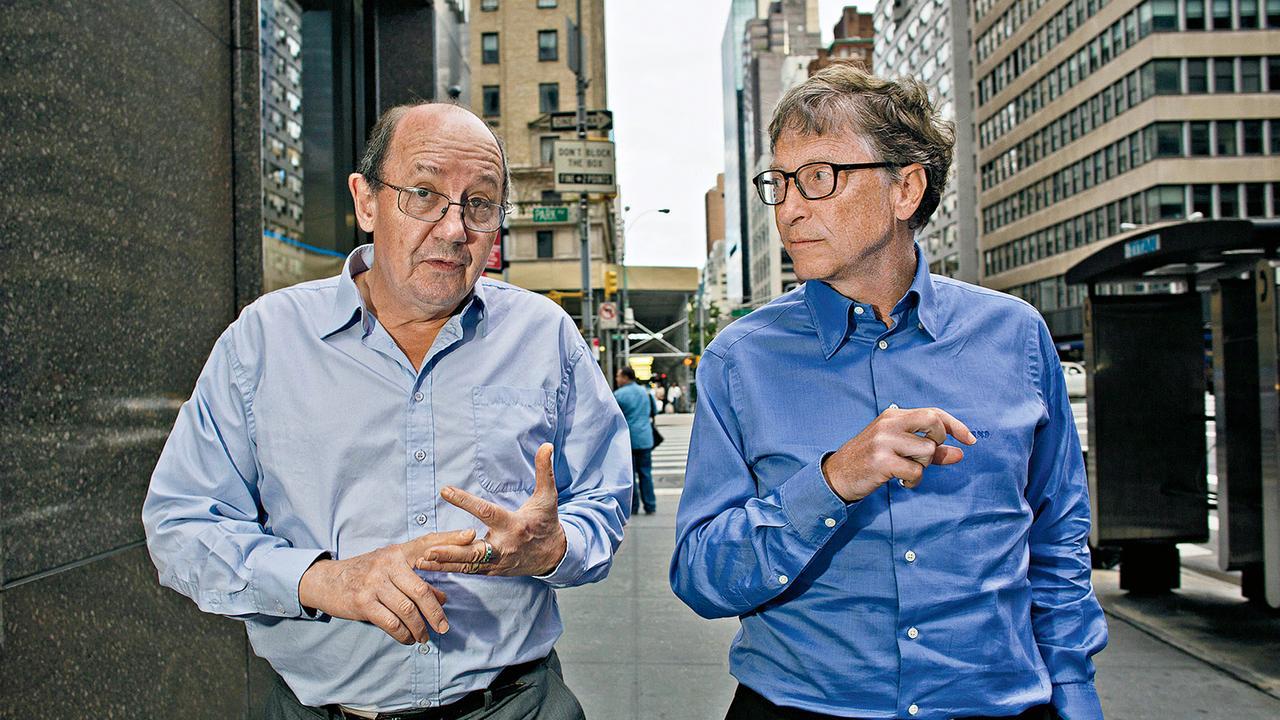 David Christian (trái) và Bill Gates, hai nhà đồng sáng lập dự án Lịch sử vĩ đại. Ảnh: theaustralian.com.au