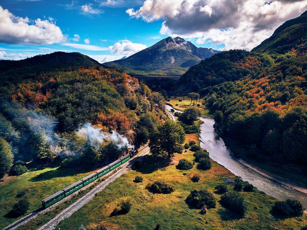 Cảnh sắc thiên nhiên tuyệt đẹp tại Isla Grande de Tierra del Fuego. Ảnh: Deensel/Flickr.