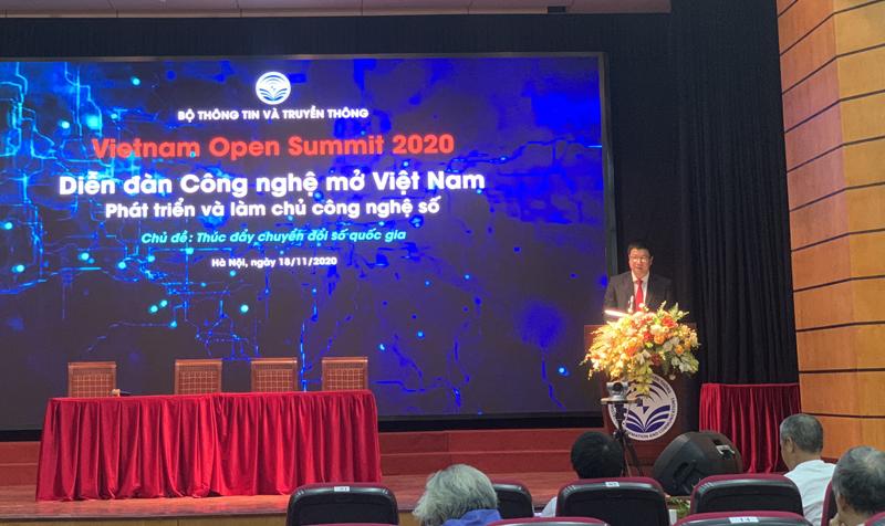 Ông Đỗ Công Anh đại diện Bộ Thông tin và Truyền thông tuyên bố chương trình hành động của Diễn đàn công nghệ mở Việt NAm 2021.