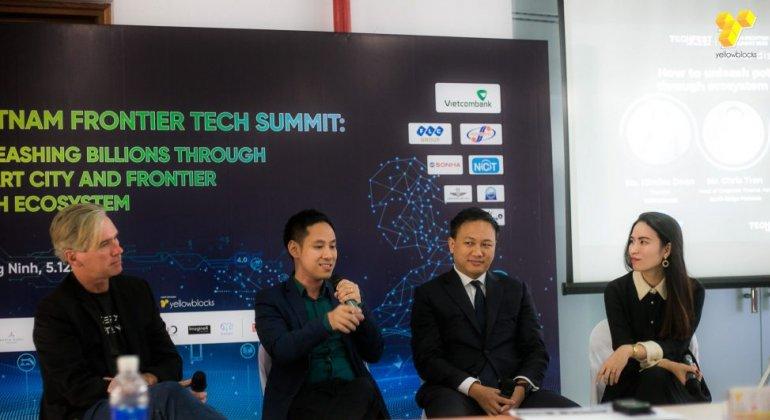 Các chuyên gia bàn luận về công nghệ ứng dụng cho thành phố thông minh tại hội thảo Vietnam Frontier Tech Summit trong TECHFEST 2019 | Ảnh: BTC