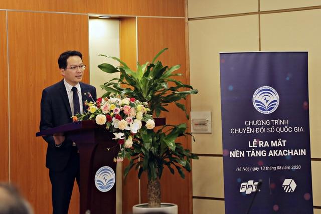 Ông Trần Đăng Hòa - Giám đốc điều hành FPT Software, đơn vị triển khai xây dựng akaChain – tại Lễ ra mắt nền tảng năm 2020 do Bộ Thông tin & Truyền thông bảo trợ | Nguồn: FPT