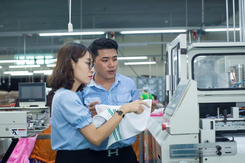 Tổng công ty Cổ phần Phong Phú áp dụng nhiều công nghệ hiện đại trong dệt may. Ảnh: Cao Thắng/saigondautu.com.vn