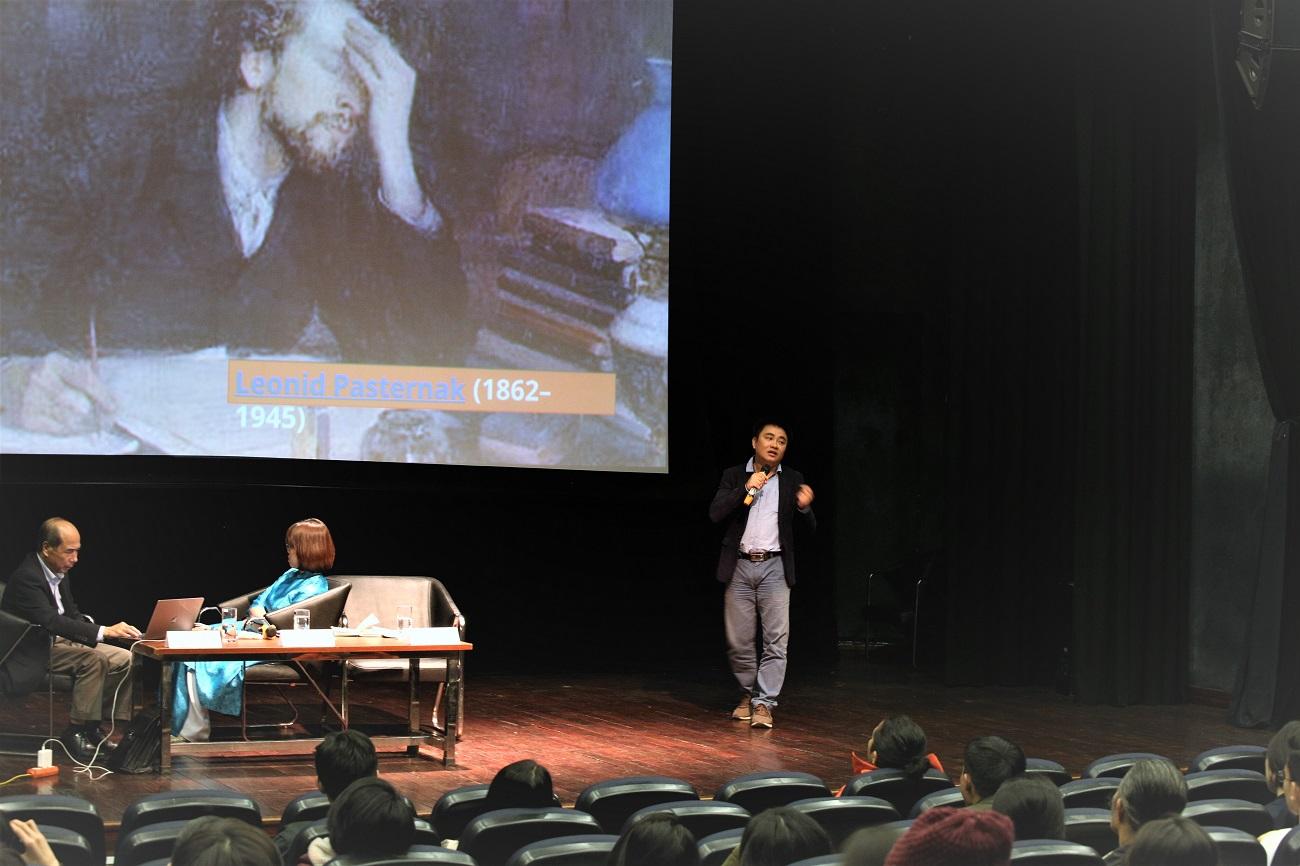 Tác giả Đinh Trần Tuấn Linh chia sẻ về những ứng dụng của AI trong lĩnh vực sáng tạo nội dung   Ảnh:: KHPT