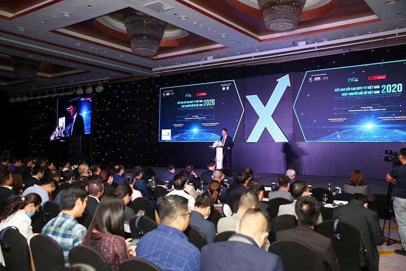Toàn cảnh diền đàn Công nghệ thông tin Việt Nam 220: Ngày chuyển đổi số Việt Nam. Ảnh: VINASA