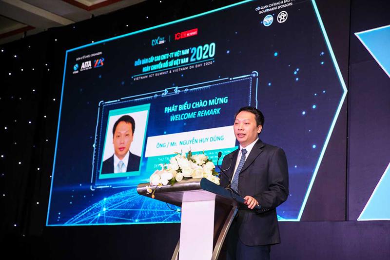 Thứ trưởng Bộ Thông tin và Truyền thông Nguyễn Huy Dũng phát biểu tại sự kiện. Ảnh: VINASA.