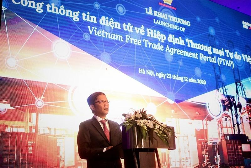 Bộ trưởng Bộ Công thương Trần Tuấn Anh tại lễ ra mắt cổng thông tin điện tử về hiệp định thương mại tự do Việt Nam ngày 23/12 | Nguồn: BTC