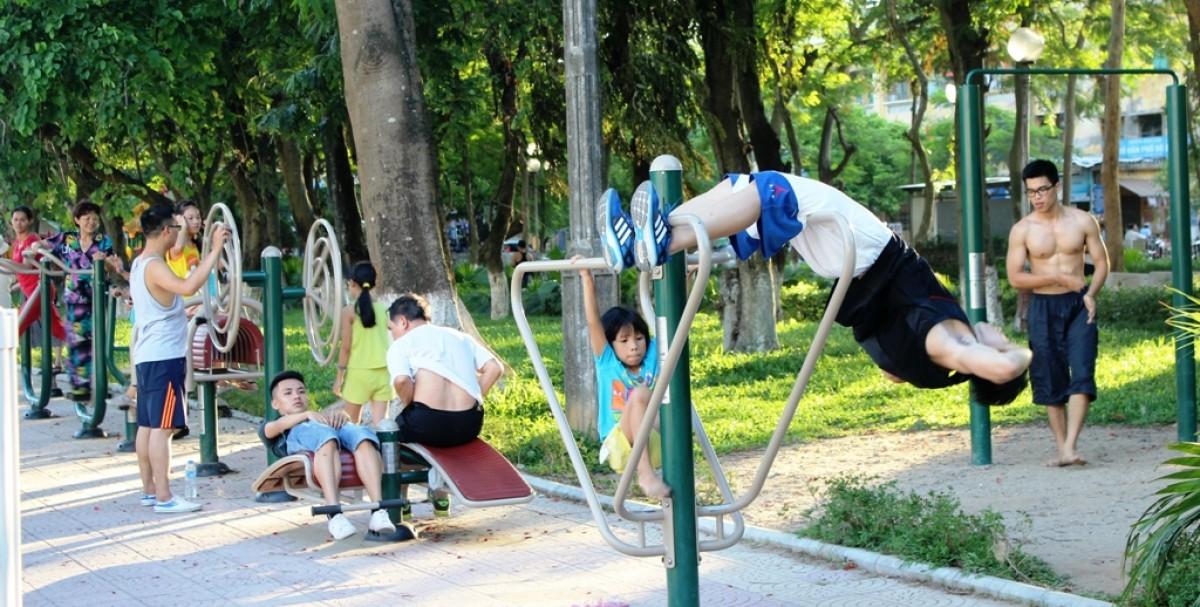 Tập thể dục ngoài trời. Nguồn: HTS Sport