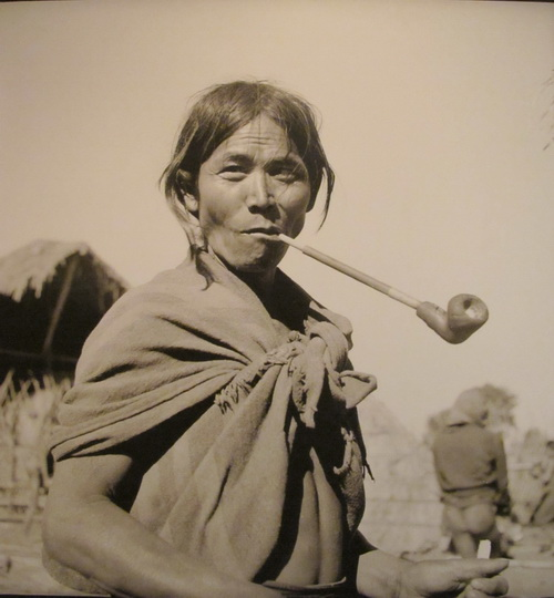 Nhiếp ảnh gia người Pháp Jean Marie Duchange đã chụp những bức ảnh về đồng bào dân tộc thiểu số trong chuyến Tây Nguyên từ tháng 6/1952 - 7/1955. Ảnh: baoquangngai