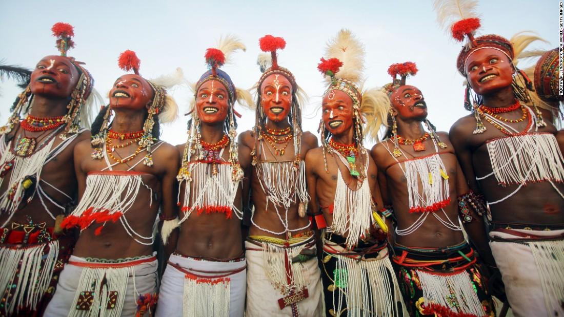 Lễ hội Cure Salée mừng kết thúc mùa mưa của người Wodaabe, một bộ lạc ít người sinh sống ở châu Phi.