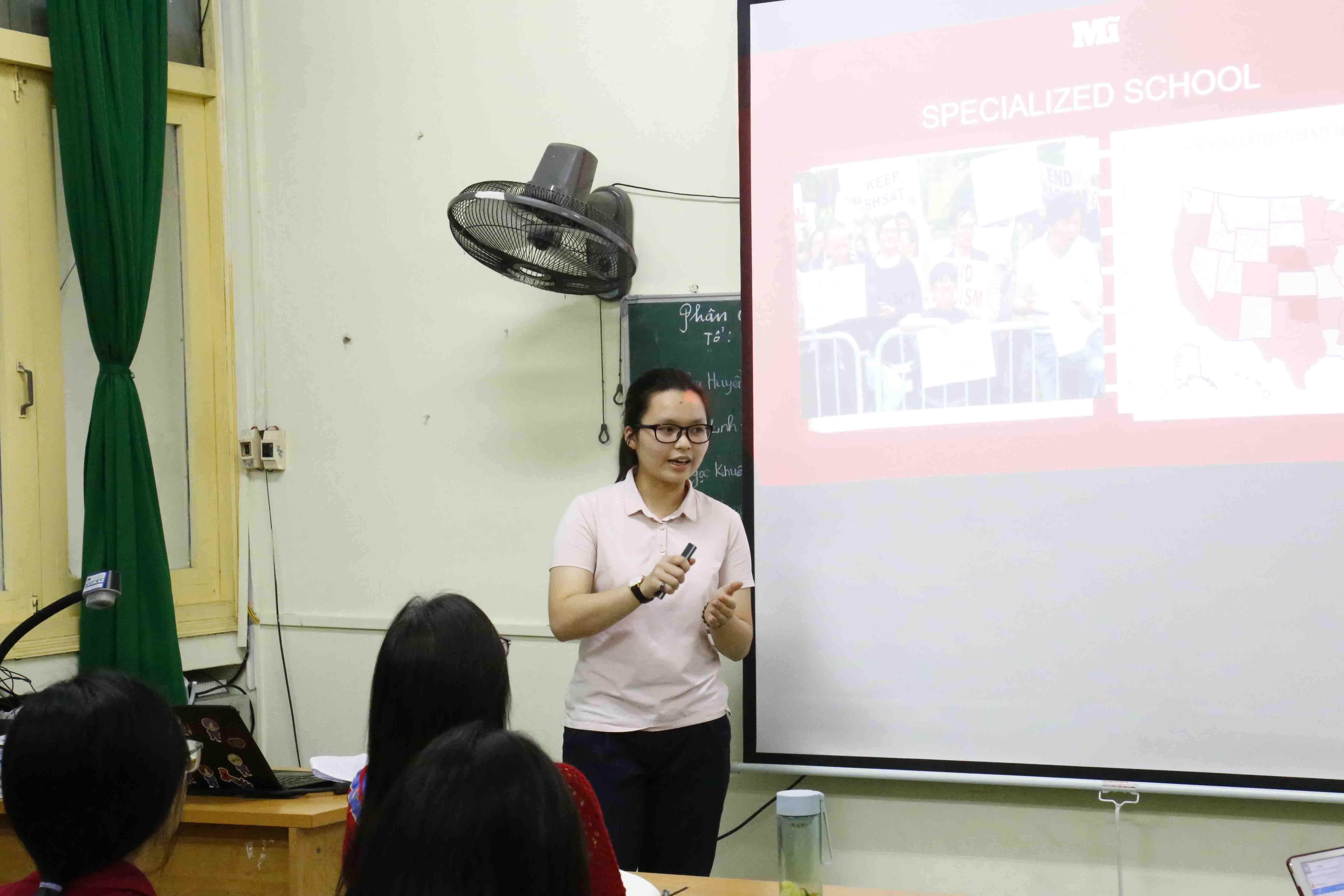 Đỗ Quyên thuyết trình tại Diễn đàn Giáo dục Việt Nam - Vietnam Educamp, Hà Nội, 14/11/2020. Ảnh: BTC