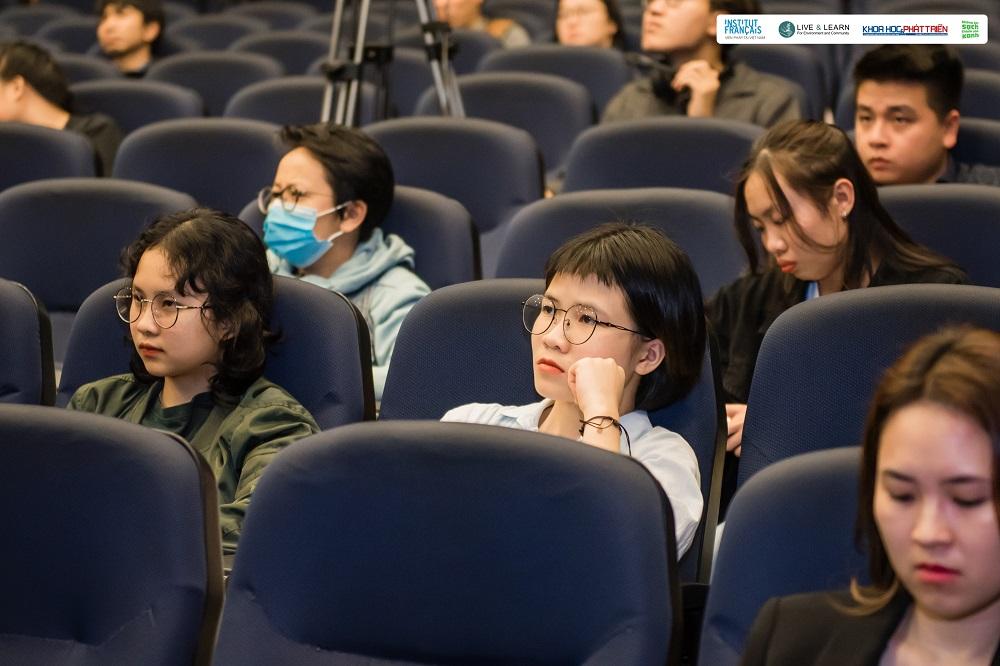 """Khán giả tham gia tọa đàm """"Câu chuyện môi trường trong thời 4.0"""""""