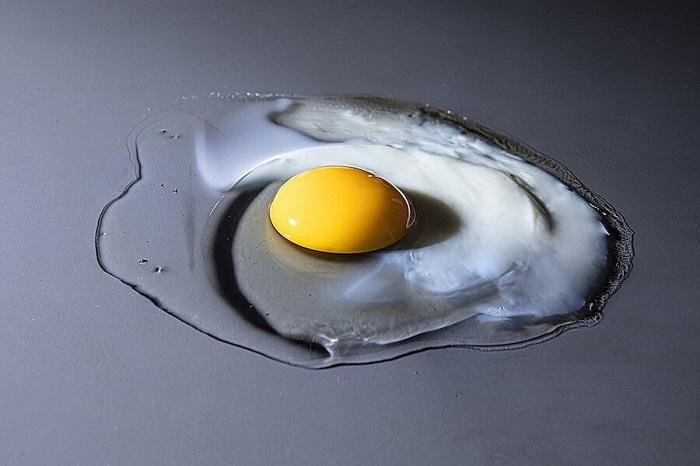 Quả trứng trong chùm tia X: Một cái nhìn vào điều diễn ra với quả trứng khi nấu