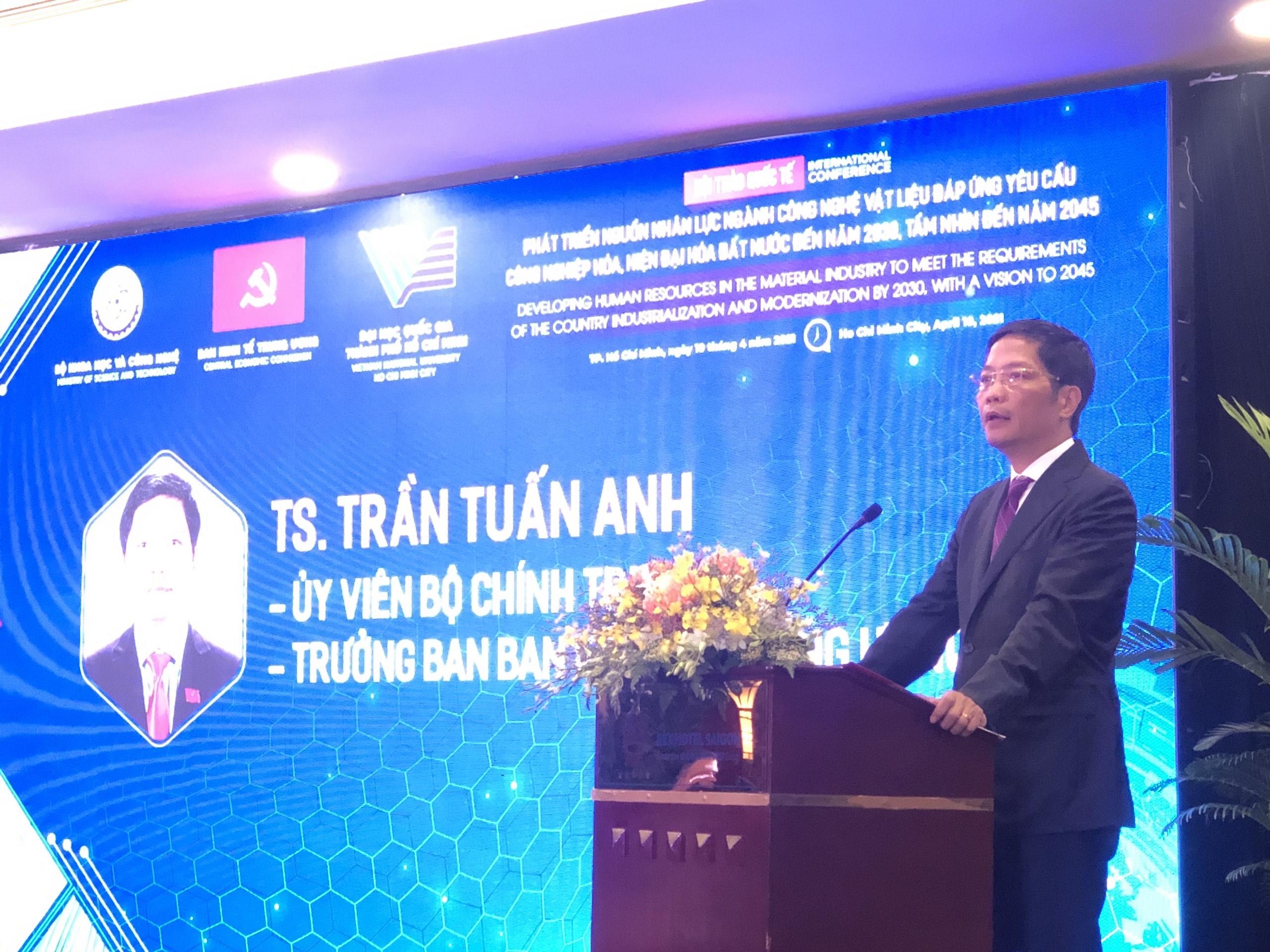 Ông Trần Tuấn Anh - Trưởng ban Kinh tế Trung ương phát biểu tại hội thảo. Nguồn: BTC