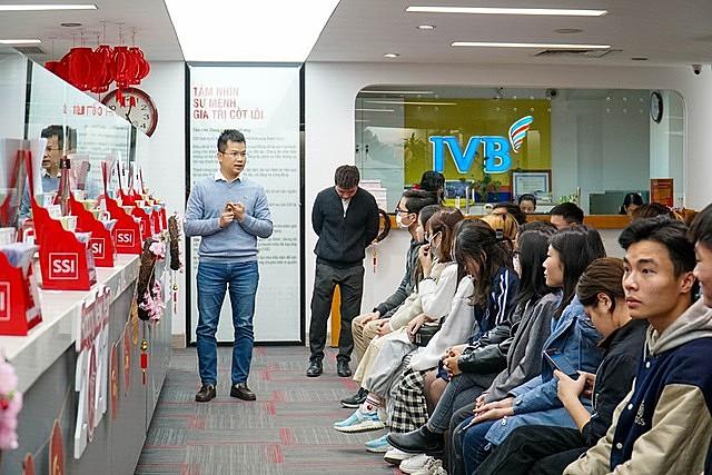 Trong khuôn khổ giải đấu, sinh viên được tham gia một buổi tham quan tại công ty chứng khoán SSI, một buổi hướng dẫn đầu tư chứng khoán cho sinh viên và một trại huấn luyện cho nhà đầu tư sinh viên | Ảnh: BTC