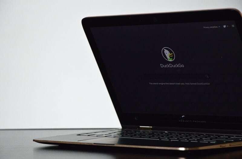 DuckDuckGo chặn công nghệ theo dõi duyệt web FLoC của Google Chrome