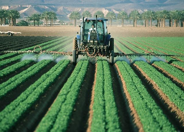 Nhiều doanh nghiệp đã bắt đầu tìm cách đáp ứng các nhu cầu bền vững của người tiêu dùng mới | Ảnh: FarmerTractor