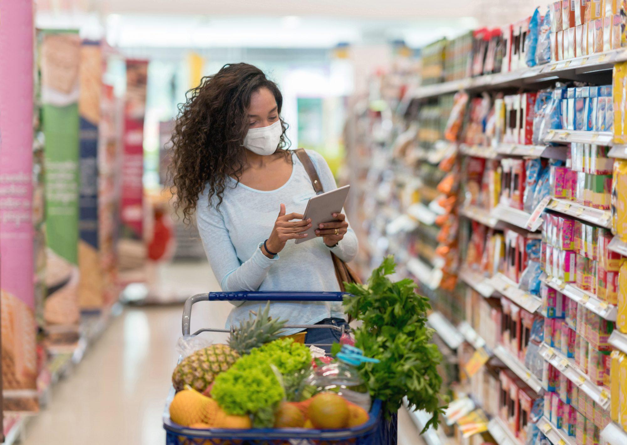 Người tiêu dùng ngày càng ý thức trong việc lựa chọn mặt hàng tốt có thể truy xuất nguồn gốc và quảng bá thông tin bền vững | Ảnh minh họa: istock