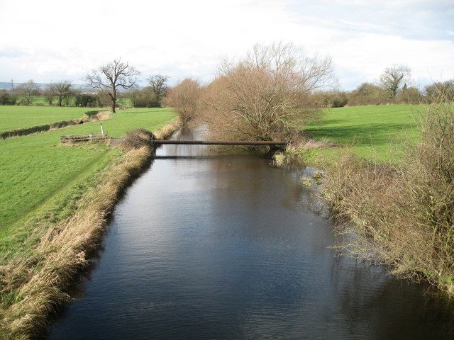 .A section of exposed pipeline crossing the Stroudwater Canal, near to Whitminster, Gloucestershire. Photo: Caroline Tandy/Wikimedia Commons