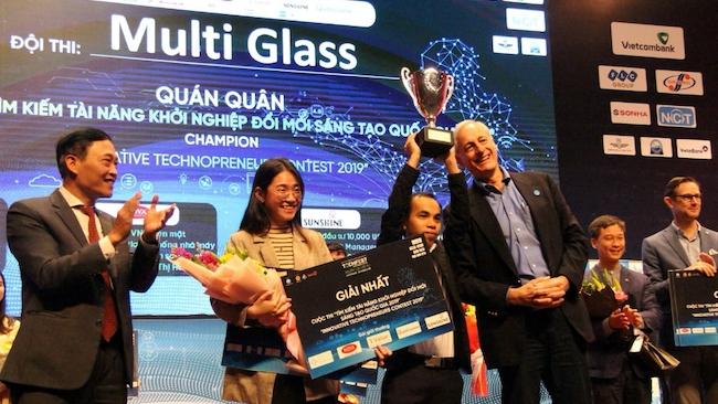 Multi Glass - startup đạt giải quán quân chương trình Tìm kiếm tài năng khởi nghiệp ĐMST quốc gia 2019. Nguồn: TF.