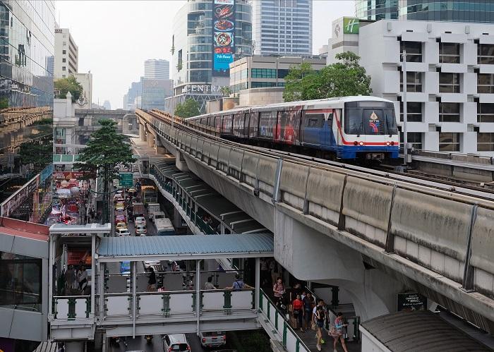 Giao thông tại thủ đô Bangkok, Thái Lan | Ảnh: Kallerna, 2019