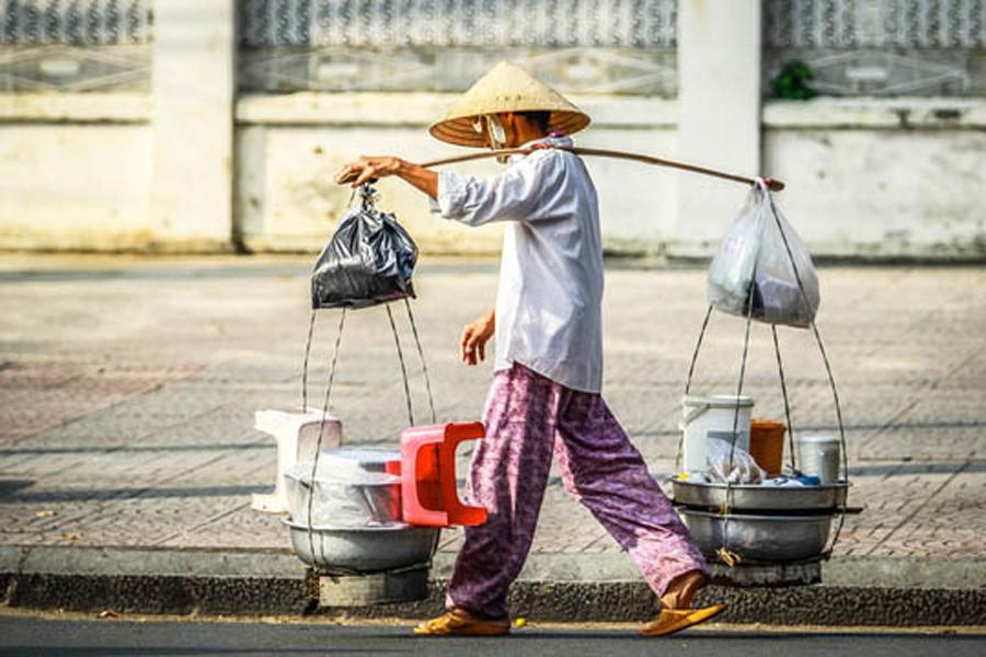Tính chung cả nước, có hơn 28,2 triệu người từ 15 tuổi trở lên bị mất việc làm, phải nghỉ giãn việc/nghỉ luân phiên, giảm giờ làm hoặc giảm thu nhập. Ảnh minh họa: Baogialai.com.vn