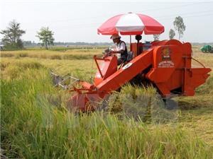 Đẩy mạnh cơ giới hóa sản xuất nông nghiệp các tỉnh phía Nam