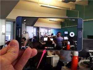 6 điều Samsung Galaxy Note 5 làm tốt hơn iPhone