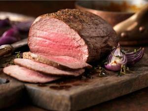 Ăn thịt bò và cá hồi giảm nguy cơ đột quỵ