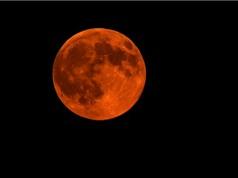 Siêu trăng ấn tượng đầu tiên của mùa thu 2015