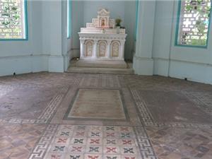 Độc đáo mộ cổ Sài Gòn: Những câu đối bên mộ Trương Vĩnh Ký