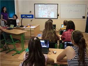 Sử dụng máy tính thường xuyên khiến học sinh bị xao nhãng học tập
