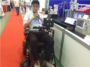 Clip xe lăn thông minh cho người khuyết tật trình diễn tại Techmart 2015