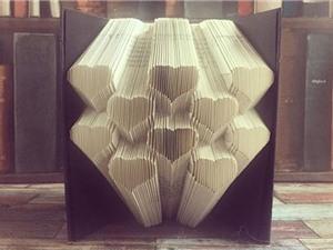 Nghệ thuật gấp giấy Origami 3D độc đáo từ sách cũ