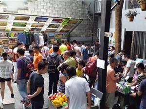 Chợ phiên công nghệ trong quán cà phê ở Sài Gòn