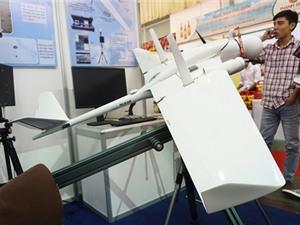 Máy bay, robot, tàu quân y của người Việt gây ấn tượng mạnh tại Techmart 2015