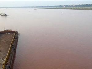 Nguyên nhân nước sông Hồng đột nhiên chuyển đỏ