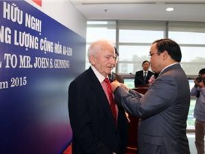 Chuyên gia năng lượng quốc tế 90 tuổi được Phó Thủ tướng tặng Huy chương