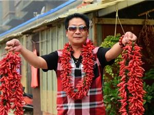 """""""Dị nhân"""" Trung Quốc ăn 2,5 kg ớt mỗi ngày"""