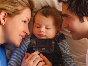 Có con, cuộc sống bố mẹ đảo lộn thế nào?