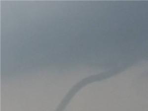 Ngạc nhiên chứng kiến vòi rồng hút nước biển Vũng Tàu