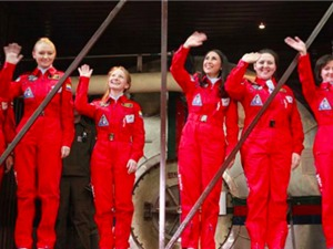 Phi hành đoàn toàn nữ thử nghiệm sứ mệnh mặt trăng