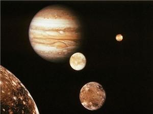 """Hệ Mặt Trời mất một hành tinh vì bị sao Mộc """"đá văng"""" đi"""