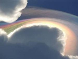 Mây cầu vồng tuyệt đẹp trên bầu trời Jamaica