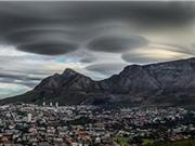 Mây hình UFO kỳ lạ lượn trên trời Nam Phi