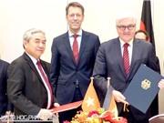 Bộ trưởng Nguyễn Quân ký hiệp định cấp chính phủ với Đức về hợp tác KH&CN