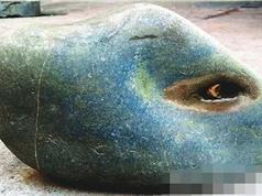 Lạ kỳ: Hòn đá có mắt, biết khóc như người